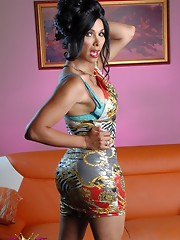 Seductive Vaniity stripping and posing