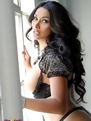 Glamorous tgirl Vaniity posing her perfect hot body