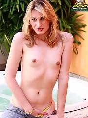 Hot blonde tranny!